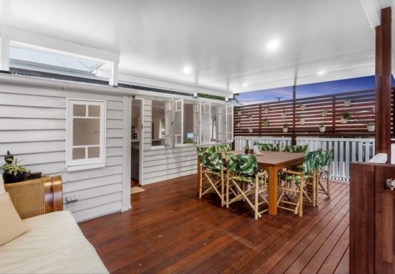 Deck Extension Wavell Heights, Home Renovation Builder Brisbane